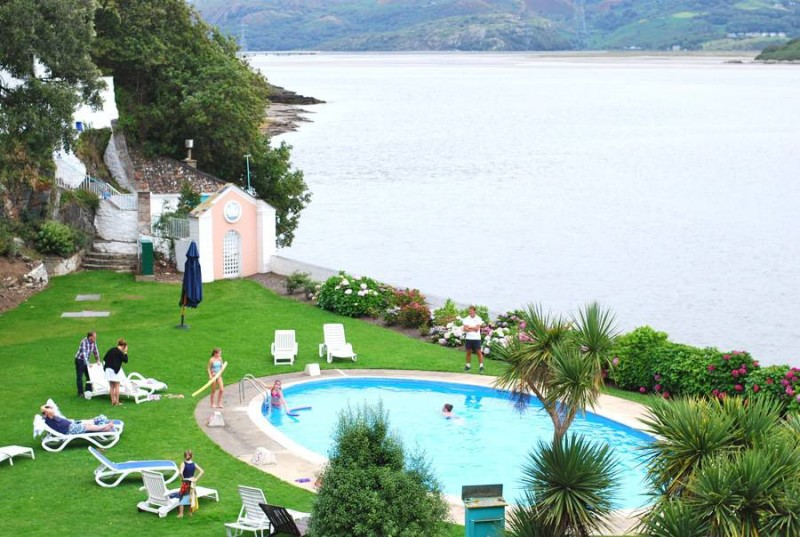 portmeirion-swimming-pool